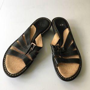 Sofft leather strap slip on Sandals worn once